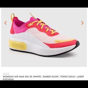 Nike Women's Air Max Dia Se Ar7410-102